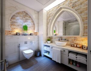 Jak zaaranżować łazienkę z cegłą i drewnem