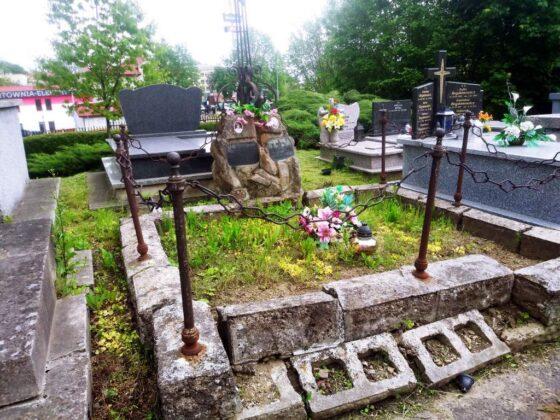 Czy uda się zebrać środki na remont grobu Kazimierza Sulimierskiego? Apel Stowarzyszenia Opieki nad Starymi Cmentarzami w Sanoku