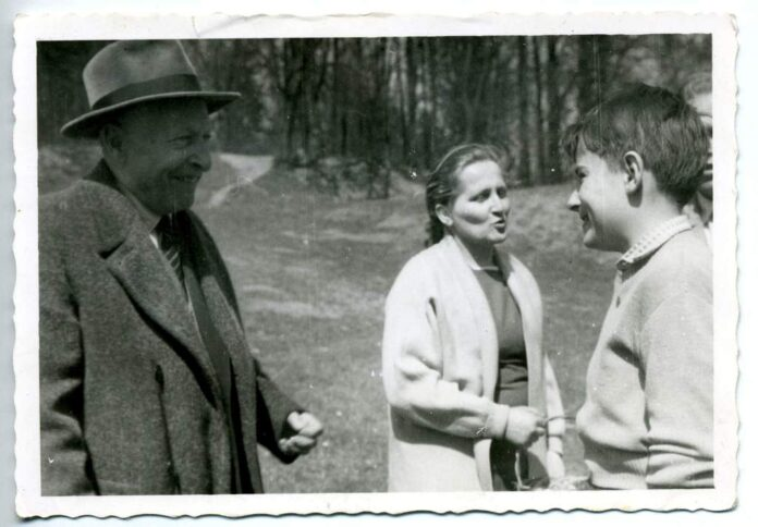 Stefan Lewicki (chłopiec z prawej strony fotografii to Janusz Szuber), arch. pryw.