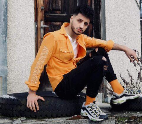 Adrian Królikowski - beztrosko, ale do celu
