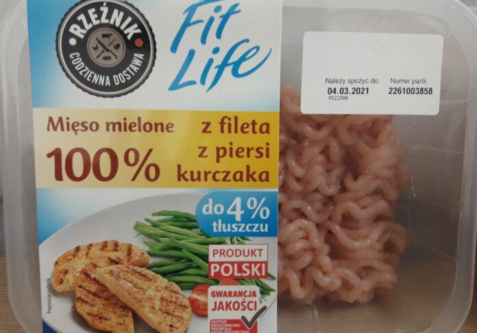 Wykryto salmonellę w mięsie z kurczaka z Biedronki i Lidla