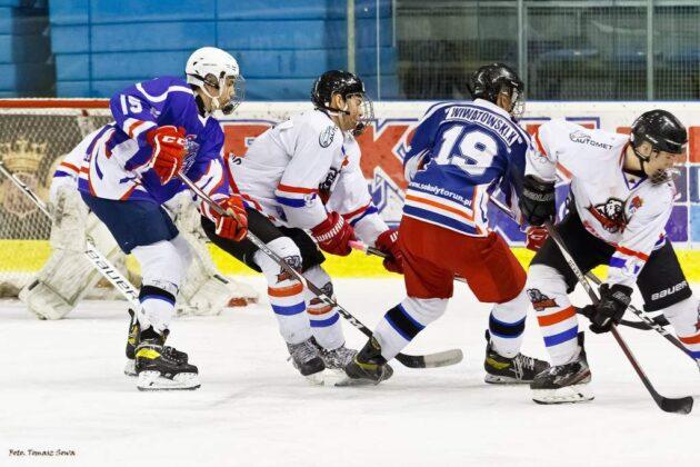 Półfinał z Sokołami był popisem Niedźwiadków, które zaaplikowały rywalom aż 8 bramek