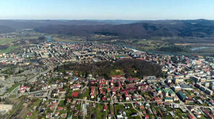 270 osób wzięło udział w konsultacjach społecznych dotyczących wyłączeniu Olchowiec z terenu Sanoka. 255 ankietowanych było przeciwnych takiemu pomysłowi. Konsultacje były przeprowadzone w okresie od 14 do 21 maja.