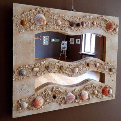 Tegoroczna wystawa jest już 22. prezentacją dorobku artystycznego wychowanków Specjalnego Ośrodka Szkolno-Wychowawczego w Sanoku.