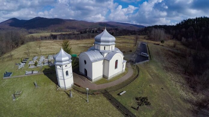 W 120-lecie budowy - wakacyjna modlitwa w zabytkowej cerkiewce