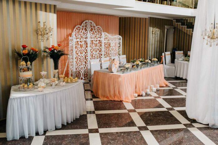 Jak wybrać perfekcyjną salę weselną w kilku prostych krokach?