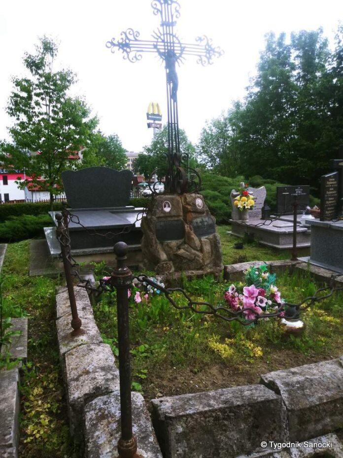 Już w najbliższą niedzielę kwesta na rzecz ratowania starego nagrobka Kazimierza Sulmierskiego herbu Starykoń